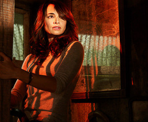 Mia Maestro als Nora Martinez in The Strain